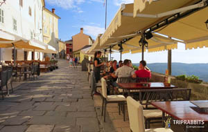 motovun,croatia,hrvatska,promenade,waterfront,coast,evening walk,walk by the sea,city center,seaside,attraction,sight,what to do,where to,what to see,restaurants,beauty,beautiful view,souvenir shop,triprabbits,promenada,riva,obala,šetnjica,korzo,večernja šetnja,šetnja,uz more,centar grada,morska obala,atrakcija,znamenitost,što vidjeti,restorani,suvernirnice,motovun promenade,motovun waterfront,motovun sight,motovun riva,croatia promenade,hrvatska promenada