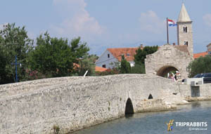 nin,croatia,hrvatska,old town,stari grad,promenade,bridge,attraction,landmark,center,stroll,connection,beautiful,wonderful,lovely,nice,city,water,walk,tour,trip,bond,visit,see,biggest,most,mostovi,atrakcija,znamenitost,centar,pješaćki,spaja,lijepi,divan,dražestan,krasan,grad,voda,šetnja,obilaza,posjetiti,vidjeti,upper city bridge,gornji grad,nin old town,nin bridge,nin most,croatia bridge,hrvatska most